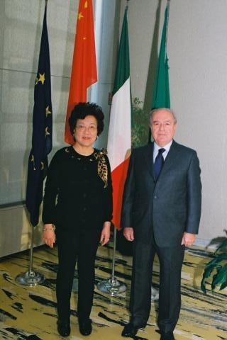Colombo Clerici con il Console generale di Cina signora Liang Hui