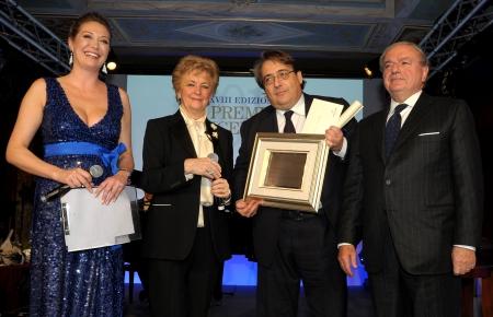 Excellent 2013 Roberto Napoletano tra Ombretta Fumagalli Carulli ed Achille Colombo Clerici
