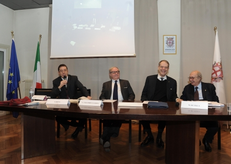 tavolo dei relatori 5
