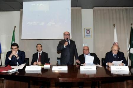 Tavolo del Convegno da sin. Dott. Giacomo Rota, avv.Colombo Clerici, avv. Paolo Giuggioli, avv. Maurizio De Tilla