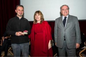 Premio a Don Giovanni Brigatti con il Sindaco di Sesto San Giovanni Monica Chittò