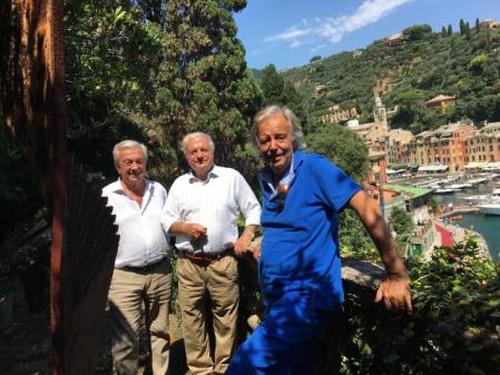 da sin. Achille Colombo Clerici, Walter Patscheider e Daniele Crippa al cospetto di un'opera di Carlo Ramous 2